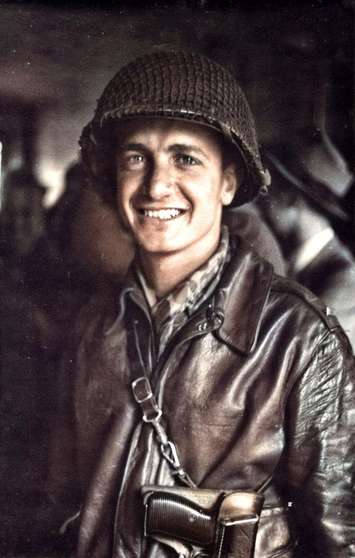 Peter Scotese als soldaat.