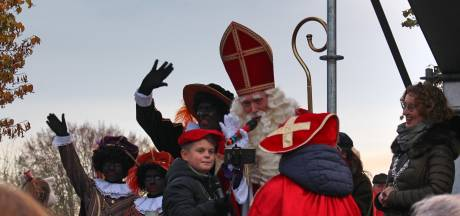 Dansend onthaal voor Sinterklaas in Oirschot en Budel