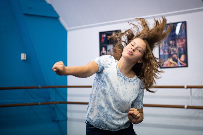 """Naast voetbal is Sam Wijma gek op dansen. ,,Daar kan ik goed mijn gevoel in kwijt en het geeft afleiding."""""""