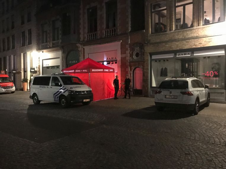De vrouw overleed in de Steenstraat in Brugge