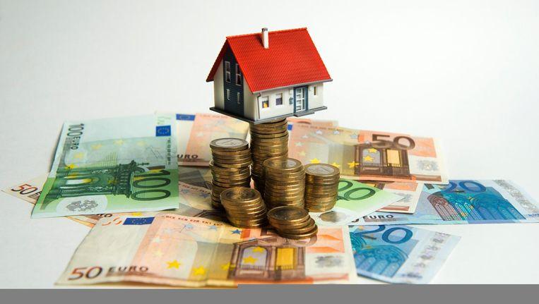 ot nu toe is bekend geworden dat de hypotheekrenteaftrek vanaf 2020 in vier jaar tijd wordt afgebouwd van dan 49 procent naar 37 procent. Beeld null