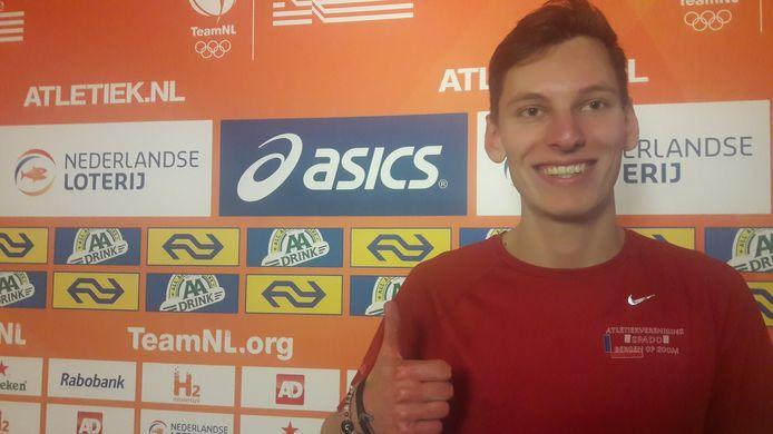 Sven van Merode is ondanks verlies titel blij me tweede plaats op NK hoogspringen. 'De sprongen waar goed.'