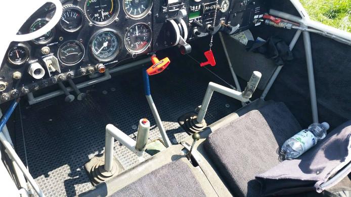 De cockpit van het vliegtuig
