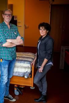 Bas (66) en Krista (45) doen vrijwilligerswerk in een hospice: 'Het relativeert enorm'