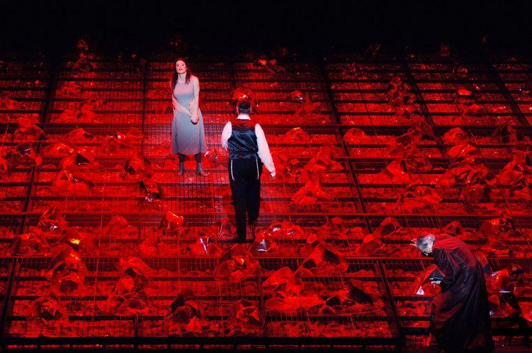 Slotbeeld van Pierre Audi's enscenering van La Juive. Beeld Ruth Walz