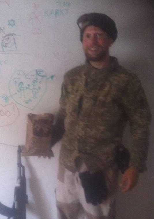 'Baran' met een Amerikaanse Ready to Eat-maaltijd in Syrië.