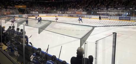 Het net blijft in ijsstadion Stappegoor, dat groot LED-scherm krijgt