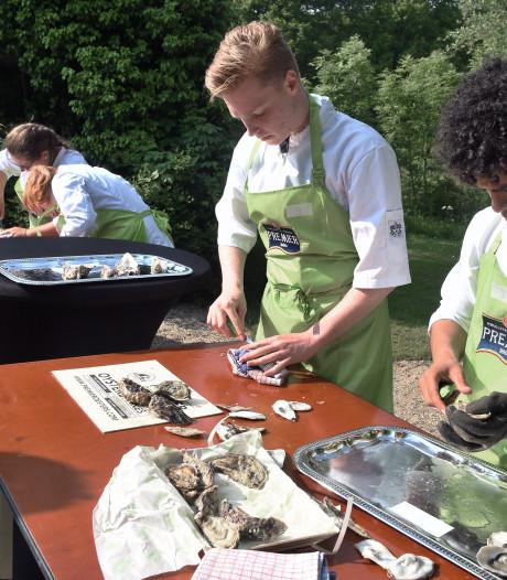 Zo snel mogelijk oesters openmaken, zonder gruis en zonder bloed