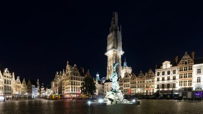 IN BEELD. Avondklok om 23.30 uur: Antwerpen valt braaf in slaap