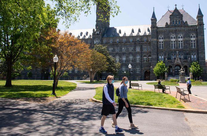 De vrijwel lege campus van Georgetown University in Washington D.C.