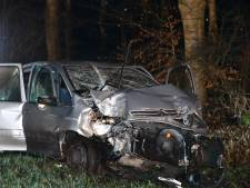 Automobilist zwaargewond bij ongeval tussen Den Ham en Ommen