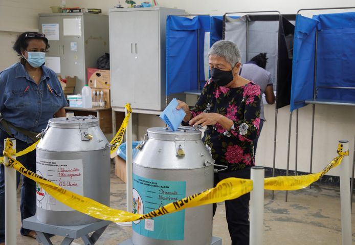 Strenge coronamaatregelen tijdens de verkiezingen.