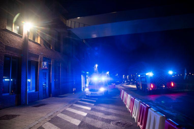 De brandweer kwam ter plaatse na een brandalarm in de parkeergarage onder Rode Heuvel in Wetteren.