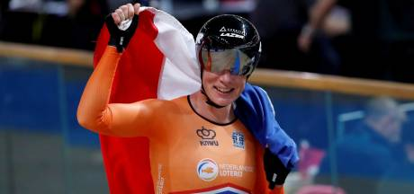 Baanwielrenster Kirsten Wild uit Zwolle sprint van kop af naar wereldtitel op scratch: 'Lekker gevoel!'