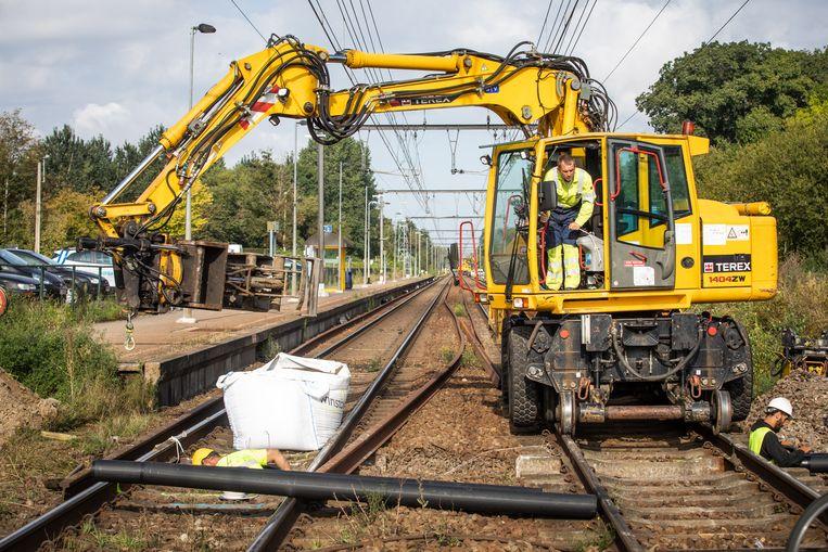 Werken ifrabel aan de spoorlijn in Diepenbeek