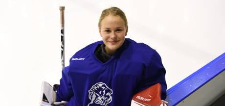 Nijmeegse ijshockeygoalie Emma Fondse gaat voor haar tweede WK-goud