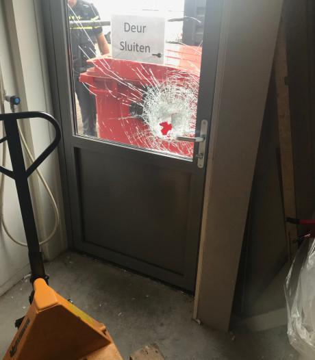 Grote witgoedroof in Wezep: inbrekers stelen 45 wasmachines, drogers en kookplaten