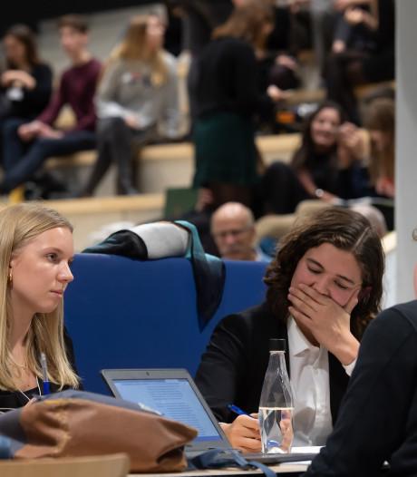 Frencken College domineert debattoernooi voor scholieren