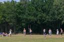 Veel jongeren komen deze zondag sporten of zonnen op Het Rutbeek.