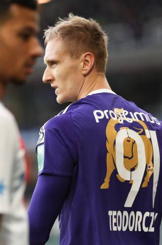 """Teodorczyk scoorde 30 goals in topseizoen bij Anderlecht, maar vertrok langs achteruitgang: """"Coach mocht me niet"""""""