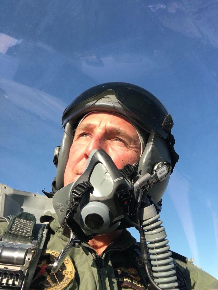 Ralph - 'Curly' - Reefman tijdens zijn laatste vlucht in een F-16.