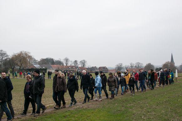 De eerste protestwandeling van het burgerinitiatief 'Red De Roomacker', in februari 2017.