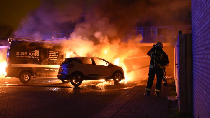 Geen rust in Waddinxveen: nog meer auto's in vlammen opgegaan