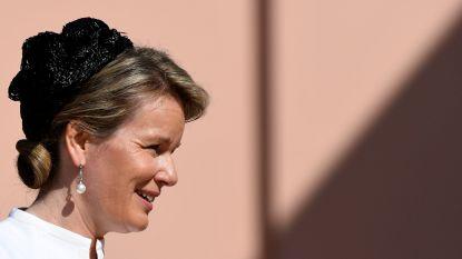 """Kapper achter de 'coupe Mathilde' is nu ook hofleverancier: """"Ik mag pas beginnen als de koningin haar hoed gekozen heeft"""""""