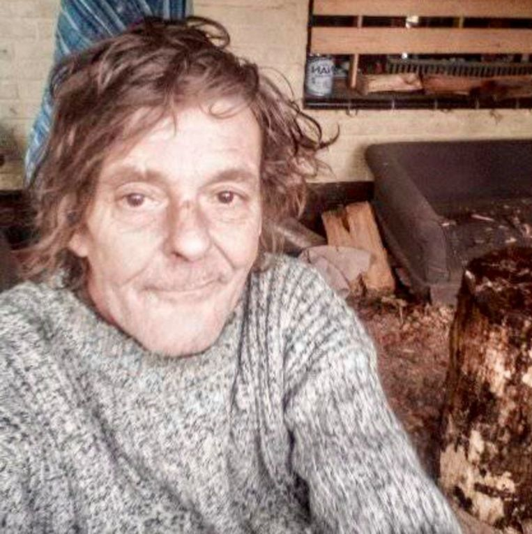 Walter Michiels verblijft ondertussen in een bos in een chalet in Kessel-Lo. Hij daagde nooit op in de rechtbank.