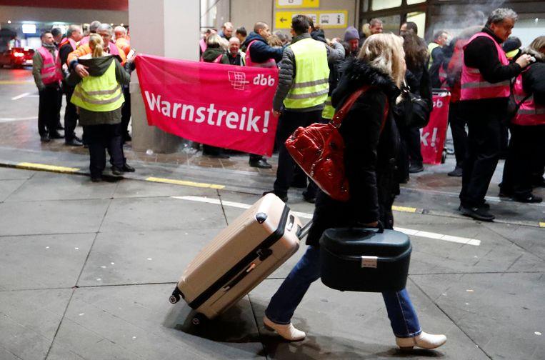 In luchthaven Tegel in Berlijn werd maandag al gestaakt op verzoek van vakbond Verdi.