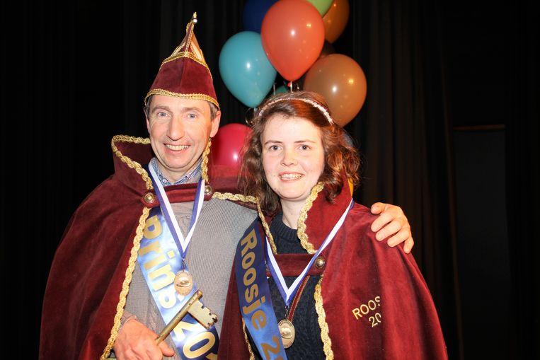 Prins Nic Vanthournout en zijn Roosje Loes Vandenberghe kregen de sleutel van de gemeente en regeren één dag over Zwevezele