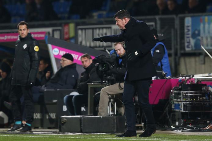 Willem II-trainer Erwin van de Looij tijdens de wedstrijd tegen VVV.