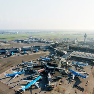 Minister pleit voor doorgroei Schiphol om wereldwijd vliegnetwerk te behouden