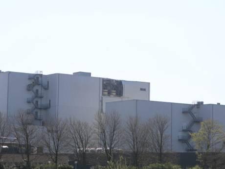 Stofexplosie bij veevoederfabriek Denkavit in Voorthuizen, hulpdiensten massaal aanwezig