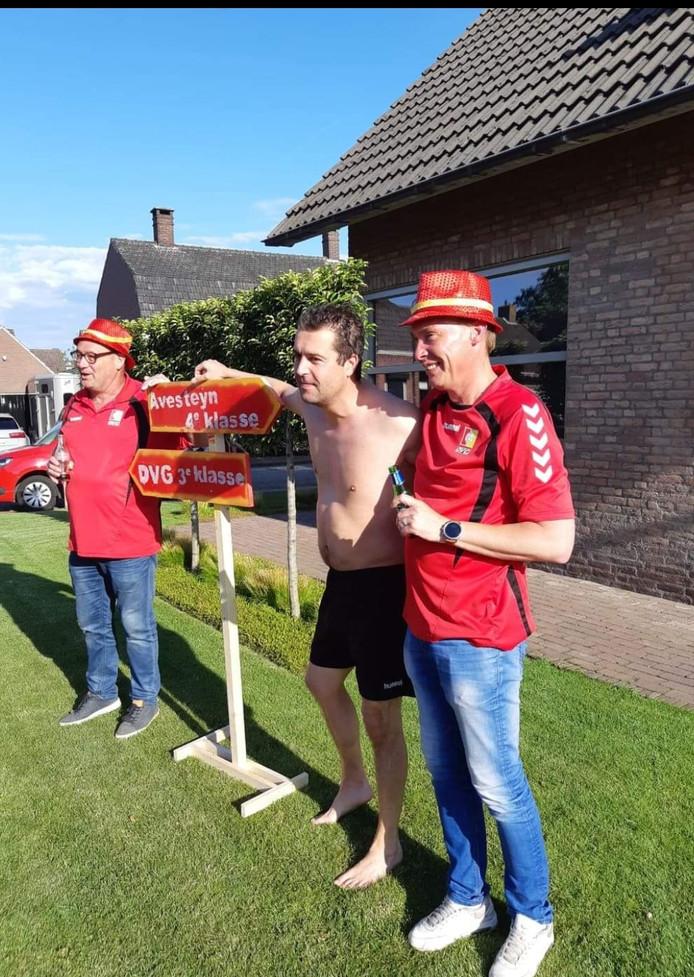 Hugo van de Sande tijdens het bezoek van de DVG-spelers