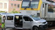 Bestuurder (20) uit Hamme aangehouden na aanrijding met trein aan overweg in Zele