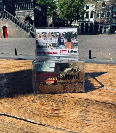 Man jat donatiekistje uit café Deventer: 'Hij had het zeker harder nodig dan zieke kinderen'