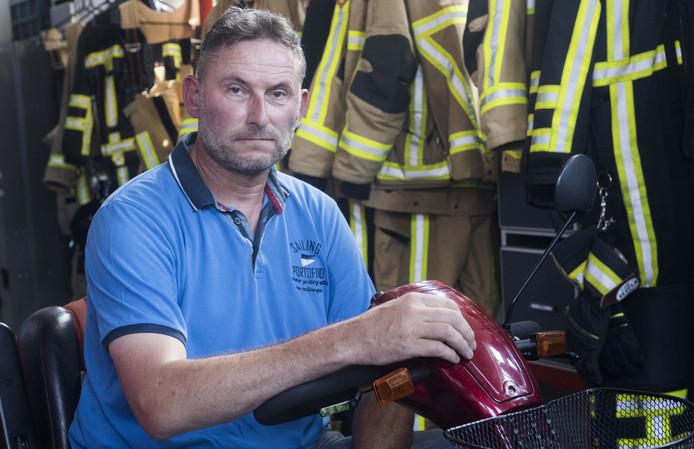 GLANERBRUG - Vrijwillig brandweerman Franc Witbreuk raakte gewond bij een brandweeroefening en moest 4,5 jaar knokken voor een schadevergoeding.