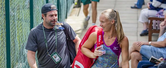 Coach Raemon Sluiter en Kiki Bertens voorafgaand aan de kwartfinale op Wimbledon.