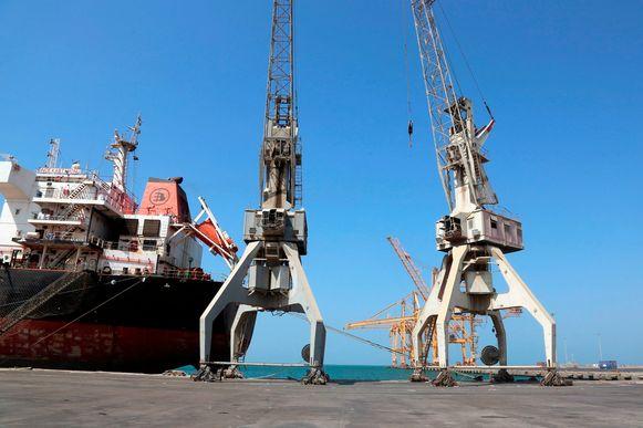 DE haven van Hodeida ligt praktisch stil wat betreft de aanvoer van humanitaire goederen. Hodeida.