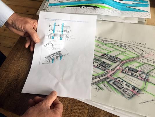 Peter Paul Hattinga Verschure gaf de eerste boerderijen vorm en gebruikte daarvoor de kennis van stadsarcheoloog Bart Vermeulen.