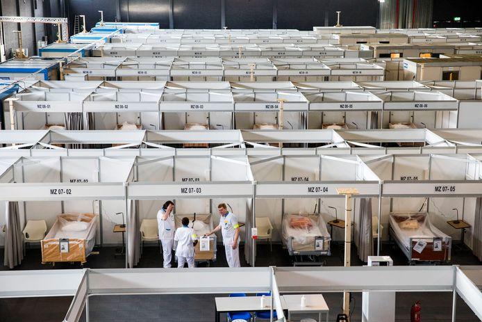In congrescentrum MECC in Maastricht stonden 276 bedden waarvan geen enkele werd gebruikt.