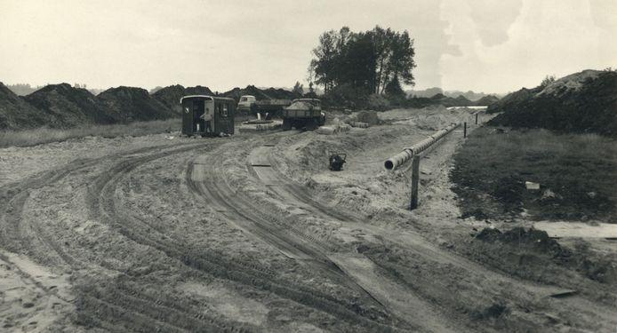 De aanleg van de Weg tot de Wetenschap naar het toekomstige universiteitscentrum De Uithof.
