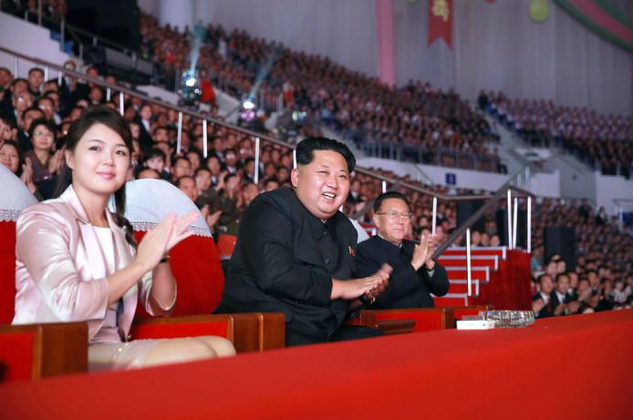 Kim Jong-un en zijn vrouw Ri Sol-Ju in 2015.
