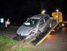 Dronken man zonder rijbewijs raakt gewond bij verkeersongeluk Oud-Vossemeer