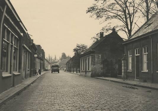 De Hoogstraat in Gestel/Eindhoven, richting Franz Léhàrplein.