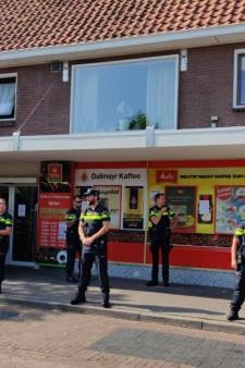 Politie treedt Twentse supermarkt binnen na opening afhaalpunt