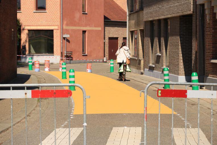 Ook de Dambrugstraat kreeg een opvallend geel kleurtje.