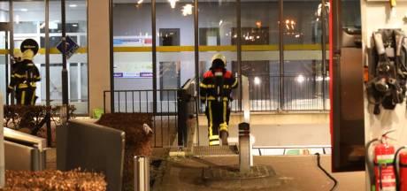Brandweerman onwel bij mogelijke brand in Parkeerkelder in Waalwijk