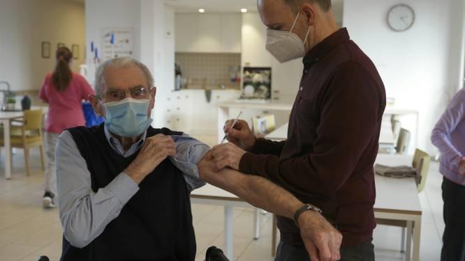 Bewoners van niet besmette afdelingen kregen hun vaccin in woonzorgcentrum Dommelhof in Tielt-Winge
